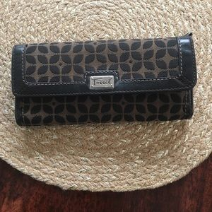Fossil Snap closure wallet